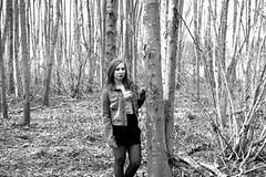 Zwart-Wit (BorgersA) Tags: bos zwart wit halle ka serieus bladeren