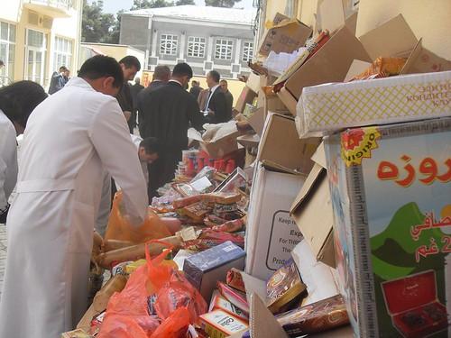 В Курган-тюбе уничтожена партия некачественных товаров