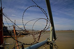 (davidkhardman) Tags: bridge water thames kent wire barbedwire greenhithe razorwire dartfordcrossing canonef24105mmf4lis