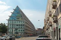 Palazzo Feltrinelli. Milano, Italia (B Plessi) Tags: feltrinelli milano milan italia architecture piazza baiamonti via pasubio porta volta bastioni luce sole sun soleil