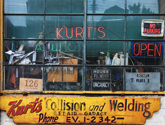 Kurts, Pittsburgh, PA (AlainC3) Tags: enseigne sign garage pittsburgh pa usa nikon d90 oldsign publicitpeinte ads advertising