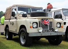 RUU 212L (Nivek.Old.Gold) Tags: 3 rover land series 88 1972 softtop 2286cc