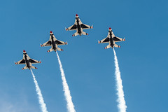 DSC_4829 (CEGPhotography) Tags: cegphotography atlanticcity newjersey nj ac atlanticcityairshow 2016 thunderovertheboardwalk aviation flight sky nikon usaf thunderbirds usafthunderbirds f16 f16fightingfalcon falcon viper jet