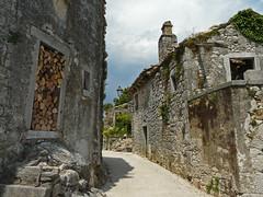 Old croatian village (duqueros) Tags: kroatien croatia istrien hum kleinstestadtderwelt dorf village duqueiros