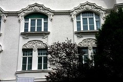 Art Nouveau / Jugendstil building in Munich (Sokleine) Tags: artnouveau jugendstil secession architecture architecturedetails bellepoque dcorarchitectural munich schwabing mnchen bayern bavaria bavire germany deutschland allemagne