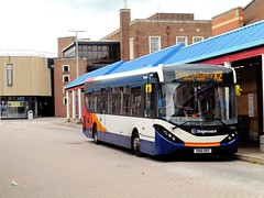 Stagecoach in Chester 37441 - SN16 ORZ (North West Transport Photos) Tags: stagecoach stagecoachmerseysideandsouthlancashire stagecoachmerseyside stagecoachchester adl alexanderdennis enviro enviro200 e200 e20d mmc e200mmc enviro200mmc sn16orz 37441 ellesmereport ellesmereportbusstation x2 runcorn chester bus