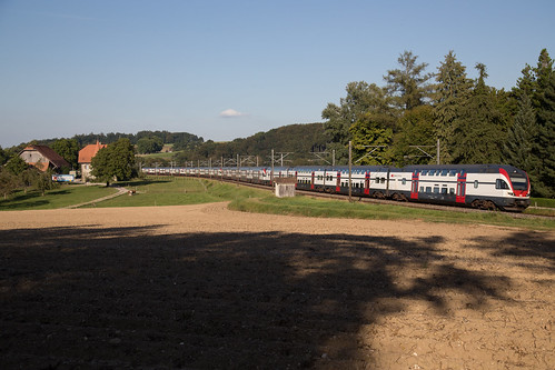 Vierfachtraktion SBB RABe 511 bei Fribourg