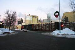 Christmas delivery (Rich Peters- foosqust) Tags: cn pulpwood railroad train parkfalls