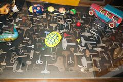 Collection of wind-up keys (quinet) Tags: belgien belgique belgium brussels brusselstoymuseum bruxelles brssel lemusedujouetdebruxelles spielzeug jouets toys