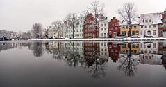 Lübeck im Winter 3 (petra.foto busy busy busy) Tags: schnee winter canon lübeck spiegelung häuser trave stadtansichten obertrave flus eos50d 1001nightsmagigcity fotopetra