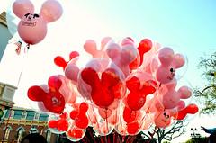 Valentines Balloons (Jennie Park Photography) Tags: balloons disneyland disney dlr valentinesday valentinesweek