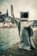 Liberty (mictan) Tags: trip portrait man statue computer liberty nikon very fast libert dinant homme ordinateur wallonie d300