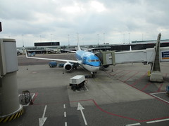 AMS TO ABZ (dav_min) Tags: amsterdam airport aviation sunday royal nv company aberdeen boeing klm schipol ams koninklijke 737700 abz skyteam maatschappij luchtvaart genevamotorshow2013