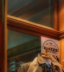 Knize: Tailcoats for Marlene Dietrich, Blouses for Marilyn Monroe, Ski Pants for Josephine Baker, Oskar Kokoschka paid with paintings, Maurice Chevalier, Laurence Olivier, Willi Forst, Fritz Lang, Juan Carlos,...- Design of the Store: Adolf Loos (hedbavny) Tags: vienna city typography star austria marilynmonroe famous schaufenster schild morocco celebrities lettering schrift geschft loos adel josephinebaker innenstadt handwerk krawatte anzug juancarlos marlenedietrich architekt fritzlang adelig filmstar graben adolfloos innerestadt berhmt auslage inneneinrichtung frack schriftzug herrenausstatter laurenceolivier 1bezirk knize schneiderei oskarkokoschka mauricechevalier berhmtheiten josefvonsternberg bekannt schaufensterbummel 1010wien willyforst masmode hedbavny ingridhedbavny herrenkleidermacher wscheerzeuger