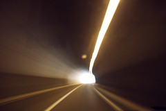 Un tunel y una luz (laororo) Tags: road light tunel