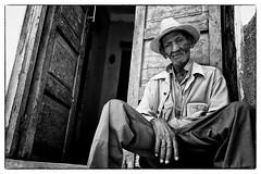 Trinidad, Cuba 2013 (Steffell) Tags: leica old bw man eyes cuba streetphotography streetportrait m clear trinidad monochrom