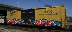 DRAFT & YUTHE (Don't Sink) Tags: yellow train swimming river graffiti james dirty crew jade bubble end letter d30 draft fill cdc thirty floodwall nekst stoer ttx mecro jimy wyse stoe phonoh sumoe benching yuthe