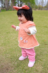 9 months old baby walking ( Spice (^_^)) Tags: portrait baby color cute girl face japan female canon hair geotagged asian person photography japanese photo infant asia flickr child picture human learning  bata development  anak loveofmylife  babae hija    babyhood     sanggol cutelittlegirl    9monthsoldbaby   rheinauratsuji babystandingalone babystartingtowalk