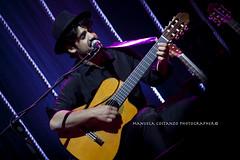 Mannarino 15 aprile 2013 Milano (La M@nu) Tags: teatro live milano concerto musica corde nazionale chitarre supersantos teatronazionale mannarino alessandromannarino bardellarabbia concertopersolechitarre