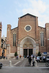 Sant'Anastasia (Jocey K) Tags: street windows sky people italy building church car architecture doors bikes worldheritagesite verona santanastasia cosmostour6330