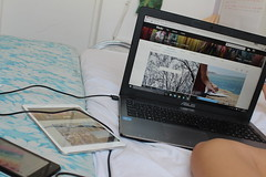 Chilling 💻📱 (luciluli) Tags: ipad phone laptop flickr lgbt bed summer