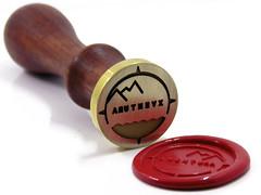 Sello de lacre personalizado (www.omellagrabados.com) Tags: gravures grabados engraving lacre wax cachet cire sello waxseal seal brass laton laiton mango invitaciones enveloppe logo corporative sealing