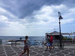Running (John LaMotte) Tags: nubes clouds cielo contraluz infinitexposure italia maiori costaamalfitana nwn