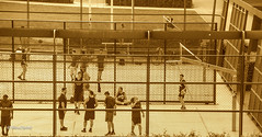 CagePlay (tina djebel) Tags: cage käfig menschen people frankfurt osthafen streetwork nikon d7000 dslr