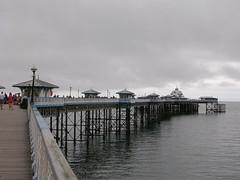 Llandudno pier (southglosguytwo) Tags: 2016 holiday september water wales variouspeople sky pier llandudno irishsea cloudy