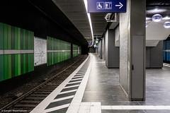 Frankfurt Taunusanlage am frühen Nachmittag (J.Weyerhäuser) Tags: frankfurt myzeil architektur bahnsteig einsamkeit