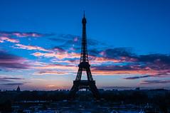 Tour Eiffel Sunrise (Alex Seventyseven) Tags: paris sunrise nikon tour eiffel tokina f4 1224 manfrotto parigi d90