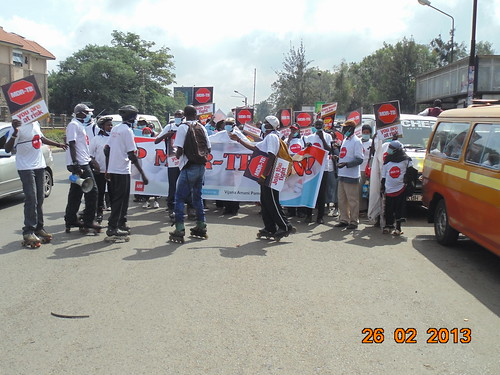 Procession alonf Mbagathi road