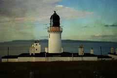 Dunnett Head Lighthouse (ronmcbride66) Tags: lighthouse scotland 1831 orkneys supershot dunnetthead dragondaggerphoto sunrays5