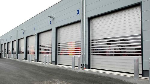 Прозорі швидкі ворота для паркінгу. Скоростные ворота для парккинга. Hi speed clear doors. SST_0690