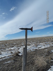 Lancer road fenceline wind guage / weather vane (bearbob82001) Tags: wyoming fenceposts highplains chugwater plattecounty