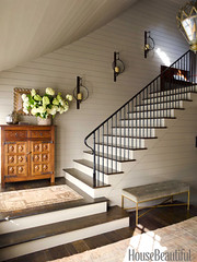 Simple but grand: Entry painted 'Hardwick White' by Farrow & Ball (SarahKaron) Tags: inspiration mountains stairs bench interiors interior northcarolina staircase mohair ideas interiordesign entry housebeautiful sconces mountainhouse lambstongue newelpost interiordesigner farrowball ericpiasecki olystudio ruardveltman