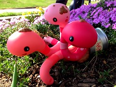 Worms! (welovethedark) Tags: kidrobot phlox iphone arttoys andrewbell canofworms iphonecamera
