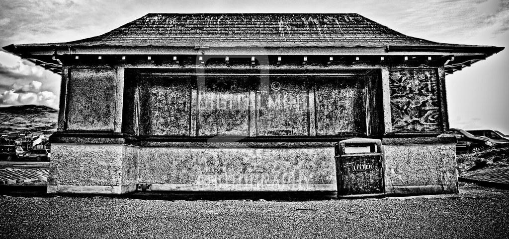 Beach Shelter, Girvan