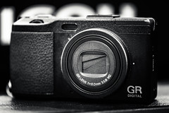 20130417_01_RICOH GR DIGITAL IV (foxfoto_archives) Tags: macro monochrome digital canon eos is mark ii 5d gr usm iv ricoh   f28l ef100mm