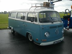 VW Bus T2 (911gt2rs) Tags: treffen meeting show tuning tief low stance airride bulli transporter oldschool blau blue