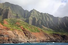 demonstrating erosion (1600 Squirrels) Tags: 1600squirrels photo 5dii lenstagged canon24105f4 napali coast pacific ocean northshore kauai kauaicounty hawaii usa cliff pali landscape waterfall