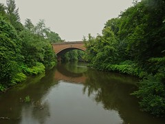 One Way (Bricheno) Tags: glasgow river kelvingrove kelvingrovepark kelvin riverkelvin bridge reflections queenmargaretbridge westend bricheno scotland escocia schottland cosse scozia esccia szkocja scoia