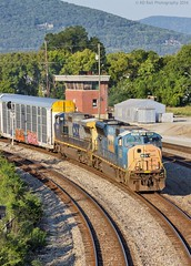 CSX Q235-09 at Chattanooga, TN (KD Rail Photography) Tags: csx howtomorrowmoves ge emd electricmotivedivison generalelectric gm generalmotor sd70m c449w vehicletrain trains railroads transportation urbanrailroad chattanooga tennessee tennesseevalley diesellocomotive diesel cumberlandmountain summerweather summerseason