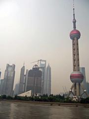Oriental Pearl Tower (loitz79) Tags: geo:lat=3124538900 geo:lon=12149320100 geotagged china chn hongkou huangpufluss orientalpearltower pudong shanghai shanghaishi smog