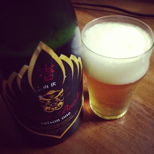 山伏 壱 saison one。爽やか!香りが良いなぁ。自家製ホップと酒米使ってるのかー。
