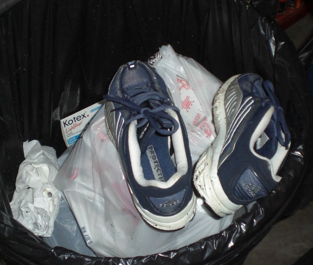 how to clean wet smelly shoes