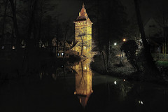Beinsteiner Torturm, Waiblingen (Godwi_) Tags: towers eu nightscene nightview tours brcke trme nationalgeographic nachtaufnahme torri torres stadtmauer stadttor badenwrttemberg waiblingen rems arethesebuildings blinkagain beinsteinertorturm suturm besteverexcellencegallery