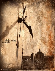 ... viejo reloj (marioadaja) Tags: sepia antigua reloj santodomingo agujas arevalo cachero viejoreloj
