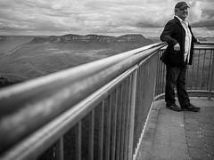 Photo Opportunity (Michael Rawle) Tags: people fence places bluemountains tourist lookout railing katoomba echopoint