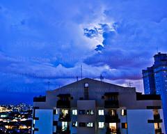 O dia em que quebramos o recorde de raios! (Conrado Tramontini (Conras)) Tags: city cidade cloud storm rain clouds buildings raios ray sopaulo chuva nuvens thunderstorm lightning nuvem thunder prdios sanpablo relmpago tempestade raio trovo